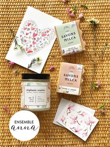 Ensemble ANNA chandelle fleurs de mai, 2 savons et carton Valentine